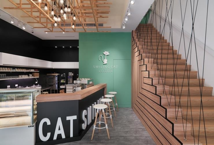 Smiling cat cafe-pic4