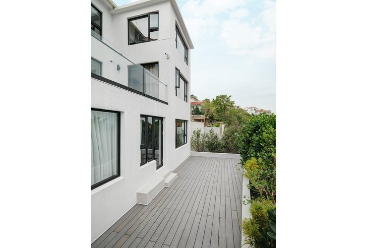 balcony,Simplicity