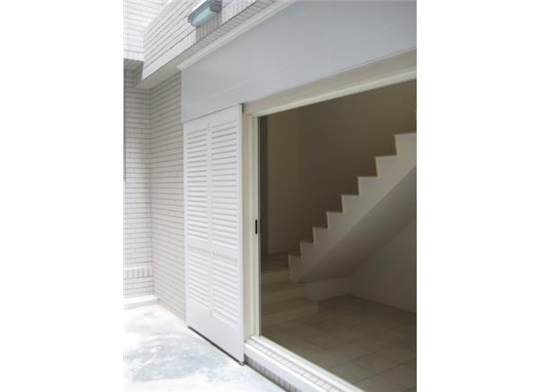 塑鋁百葉門窗  陽台