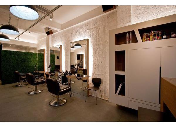 Upwind hair salon