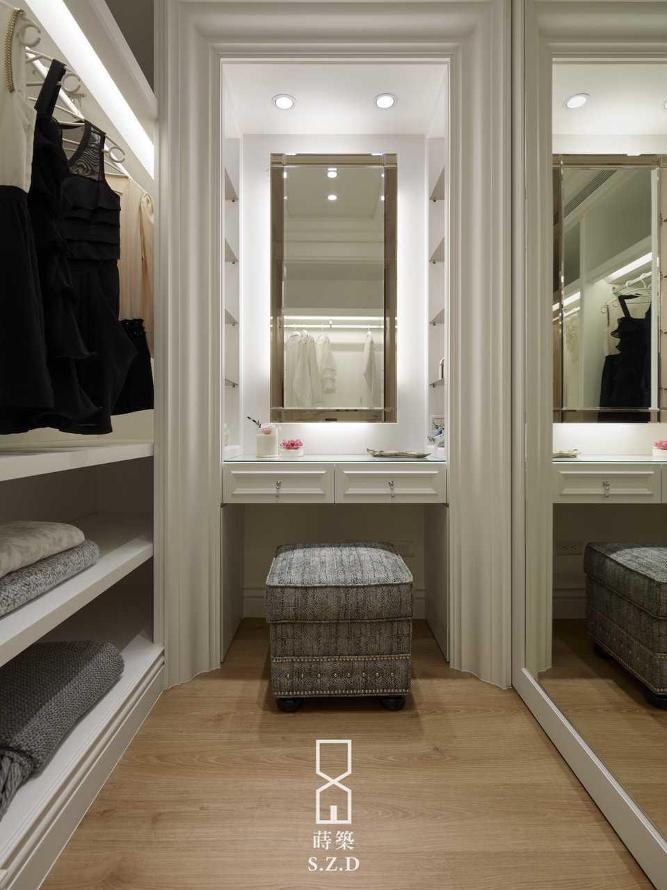 Dressing room,Classical
