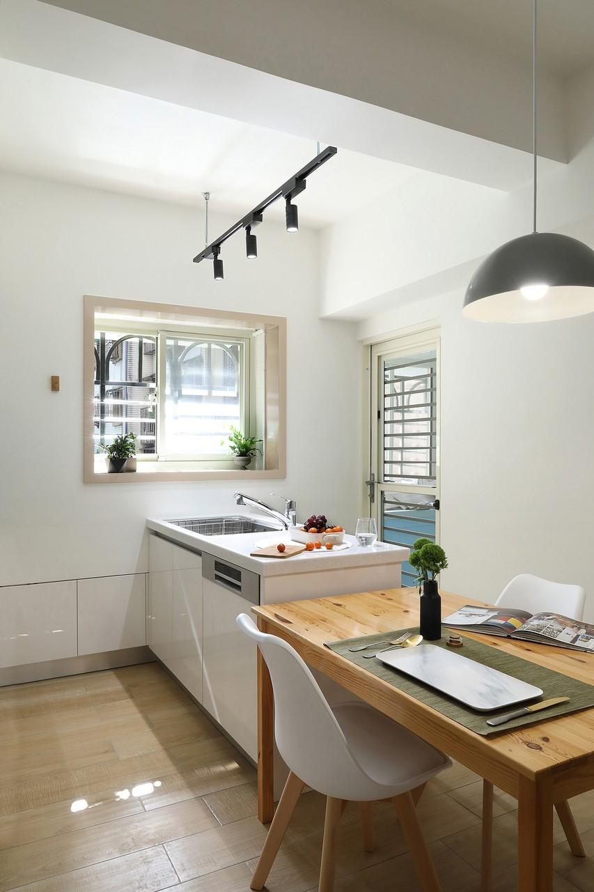 Dining room,Simplicity