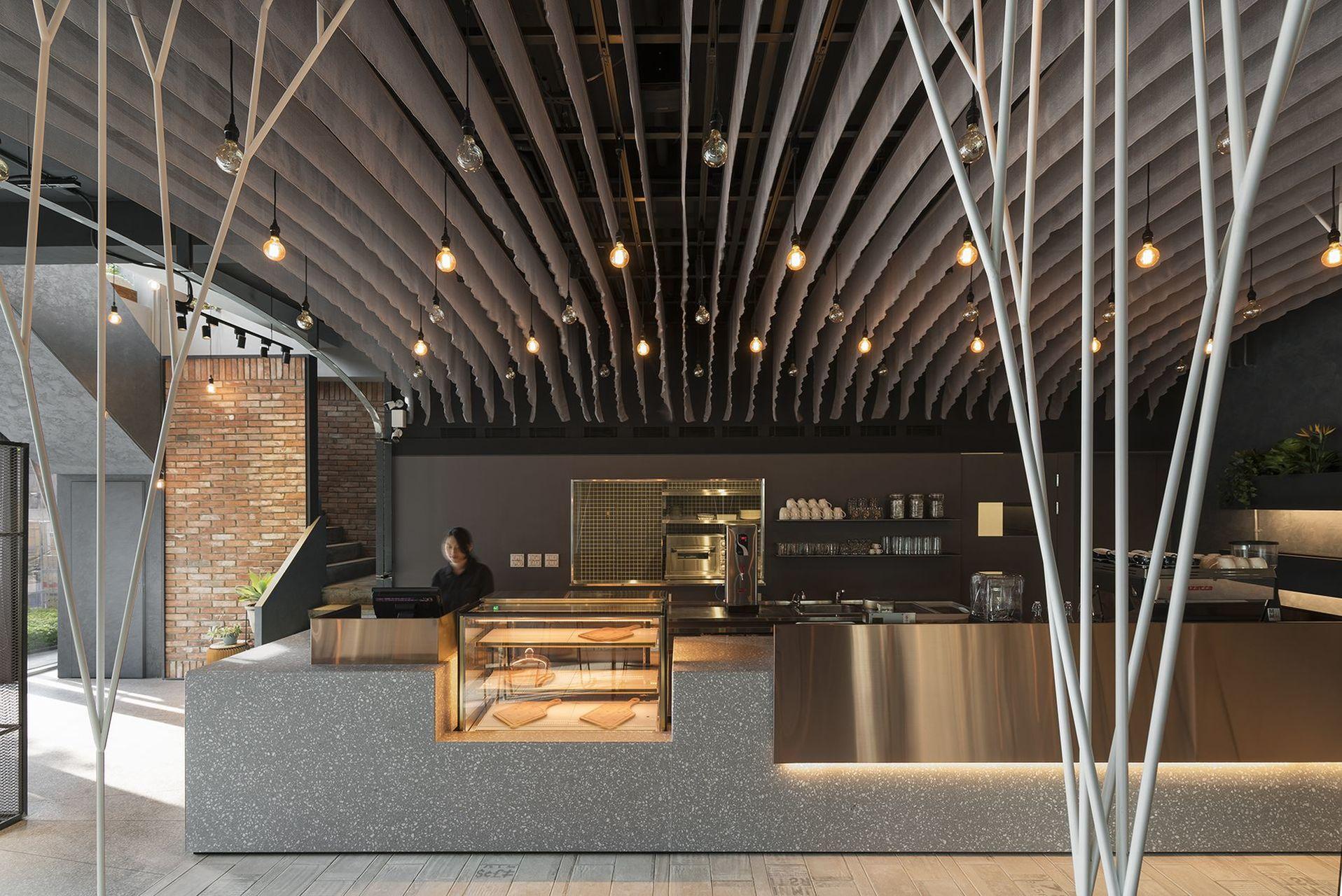 ERC CAFÉ 春嶺店